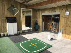 Golftraining auf der Drivingrange der Easy Golfschule
