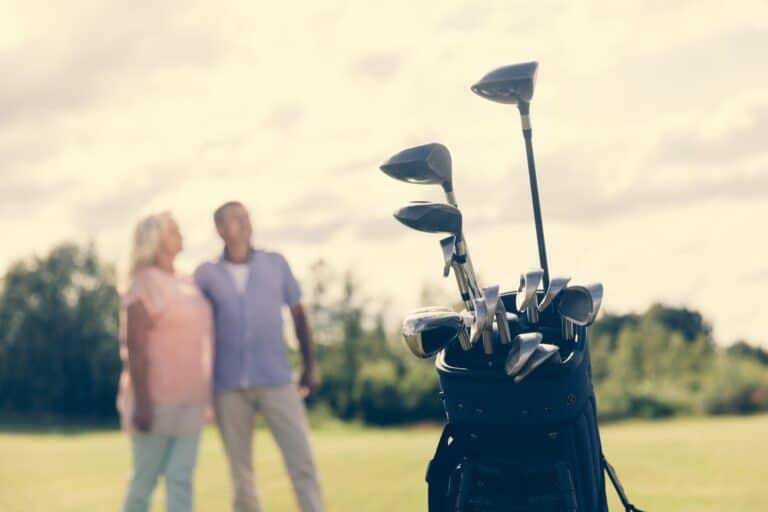 Du brauchst ein Golf Bag (Golftasche) um Deine Golfausrüstung auf der Runde zu organisieren