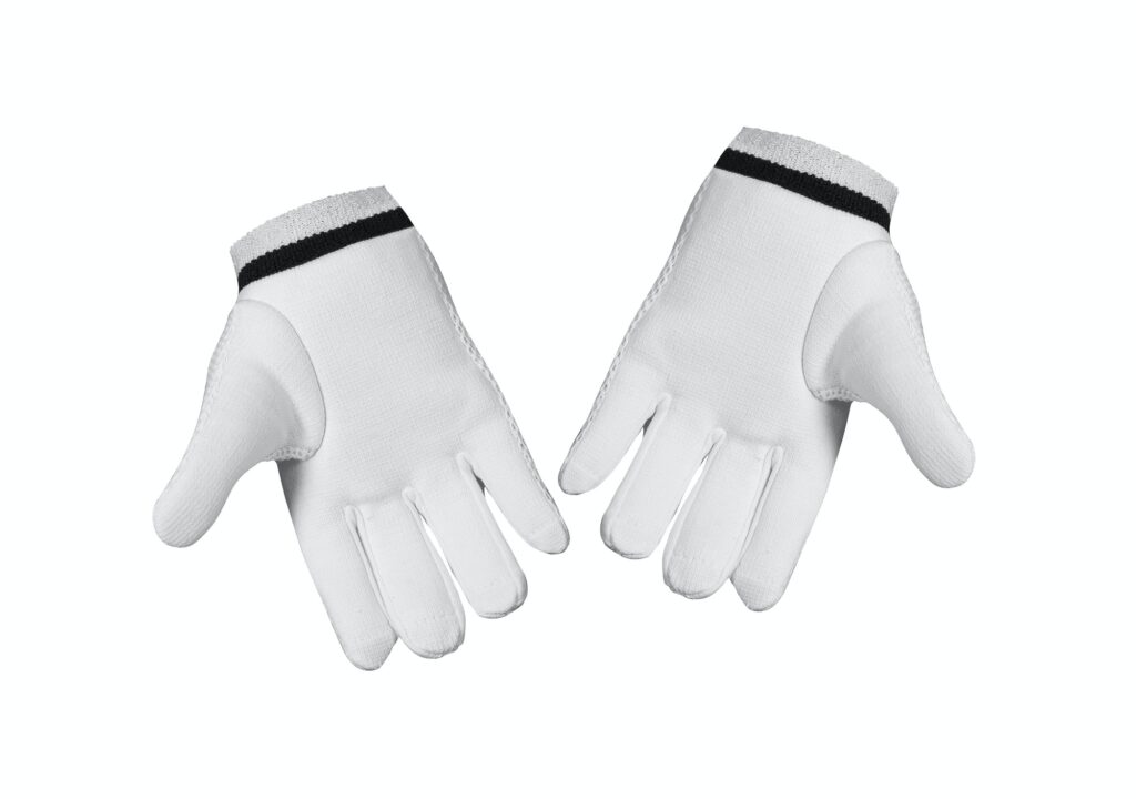 Solltest du zwei Golfhandschuhe tragen?