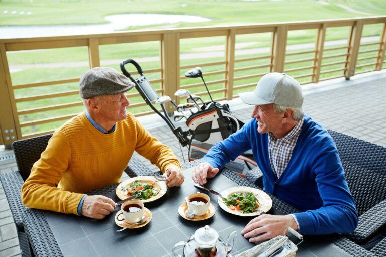 Mit guter Golf-Ernährung konzentriert über 18 Loch