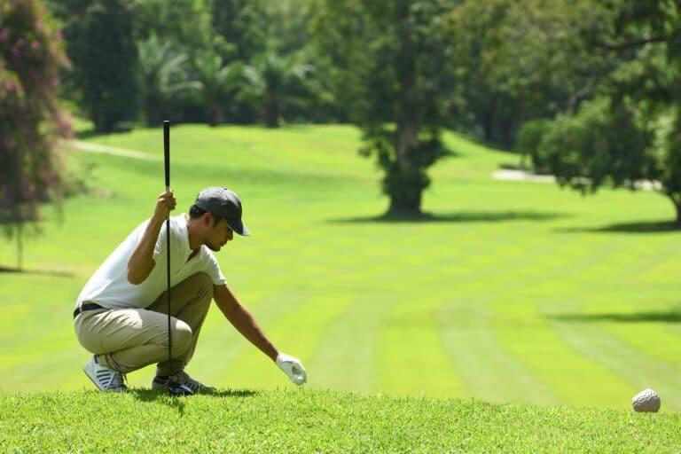 Golfanfänger: Warum ist beim Ansprechen des Golfballs, die Ballposition des Balls zwischen Deinen Füssen so wichtig?