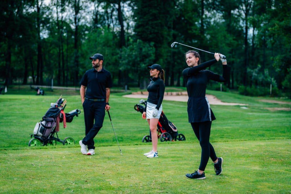 3 einfache Golf Schwungtipps für Frauen